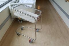 szpitalne-lozeczka-niemowlat_03